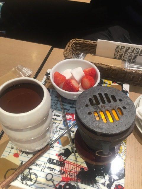 マックスブレナーのチョコレートフォンデュ